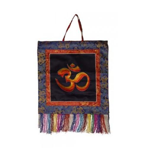 Θιβετιανικό κρεμαστό τοίχου με ΟΜ σε μεταξωτό