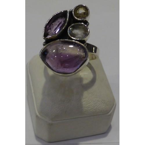 Δαχτυλίδι ασημένιο με αμέθυστο, κιτρίνη και διάφανο χαλαζία σε ιδαίτερο σχέδιο